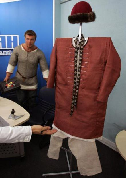 В Україні відтворили княжий костюм часів Київської Русі  043a53d3f7a3e