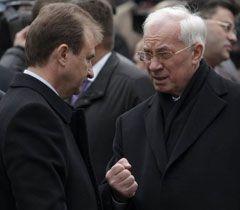 Николай Азаров и Александр Попов перед открытием Центра ядерной медицины в Киеве