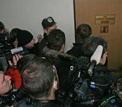 Журналисты у входа в зал судебных заседаний Апелляционного суда  Киева. 5 января