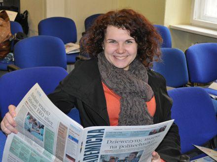 Українка Ольга, нині студентка Вищої школи управління та адміністрації м. Ополе вже вільно читає польською