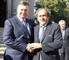 Виктор Янукович и Мишель Платини во время встречи. Киев, 27 сентября