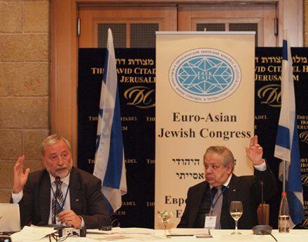 Председатель Генерального совета ЕАЕК Иосиф Зисельс (слева) и  генеральныйсекретарь Михаил Членов
