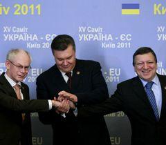 Герман ван Ромпей, Віктор Янукович і Жозе Мануель Баррозу перед початком XV Саміту Україна - ЄС. Київ, 19 грудня