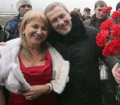 Мэр Киева Леонид Черновецкий собирается скоро жениться или «Леня-Космос» нашел себе «Лену-Галактику» 1325083102