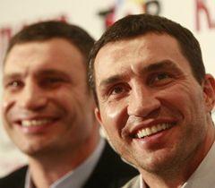 Владимир Кличко помогает брату в политике
