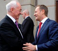 Микола Азаров і Дональд Туск під час зустрічі у Варшаві. 21 березня