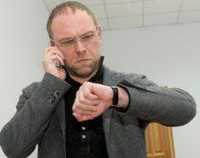 Власенко говорит, что завтра суд начнет рассмотрение жалобы Тимошенко