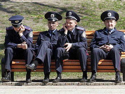 Половина украинцев считают неэффективной работу милиции