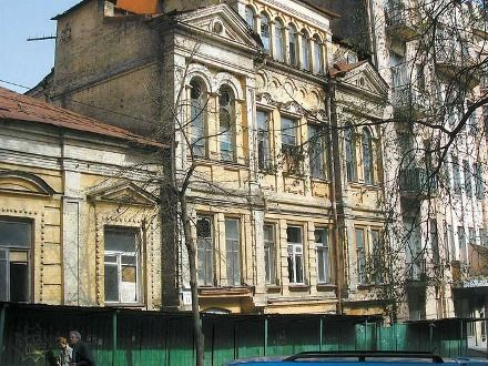 У 1898 р. садибу придбав власник іконостасної майстерні Олександр Мурашко - рідний брат Миколи, керівника Київської малювальної школи, фото 2000.net.ua