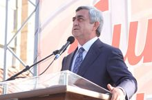 Серж Саргсян все равно выступил перед митингующими, фото panorama.am