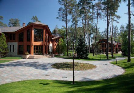 По мнению эксперта, сейчас сложно говорить об адекватном обложении налогом недвижимости украинцев