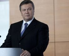 Янукович подписал