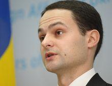 Дикусаров говорит, что заявлений чиновников среднего звена МИД не комментирует