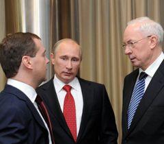 Азаров говорит, что оппозиция проста ...