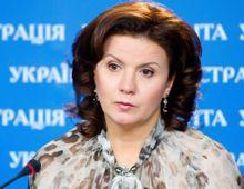 Ставнийчук говорит, что менять Конституцию можно только по закону