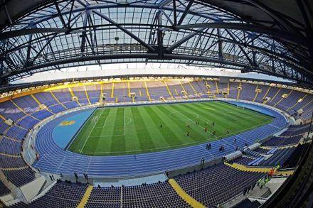 Сегодня стадионы впервые заполнятся болельщиками Евро.Фото 2012ua.net