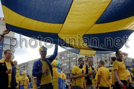 В Киеве установят скульптуру в память о болельщиках Евро-2012 из Швеции