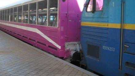 Пассажирские поезда перевезли 288 автомобилей, ric.ua