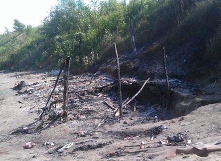 В Киеве сожгли лагерь цыган. Фото из Фейсбук