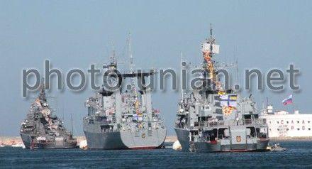 Украинские корабли тоже присоединились к празднованию
