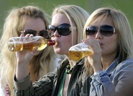 Алкоголь украинцы пробуют еще до 13 лет