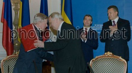 Главы космических ведомств Украины и России подписали Соглашение в присутствии президентов, фото из архива УНИАН