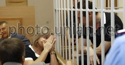 Жена Луценко расценивает вывоз ее мужа в колонию как покушение на его жизнь