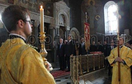 Как и президент, Луганск начал с молитвы