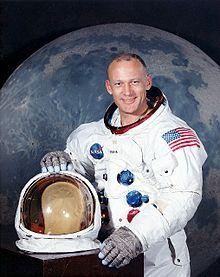 Олдрін розповів, що на Місяці відчував нерозривний зв`язок із Землею. Фото Вікіпедія