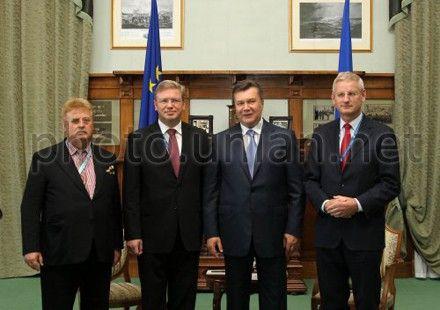 Elmar Brok, Štefan Füle, Victor Yanukovych and Carl Bildt met in Yalta