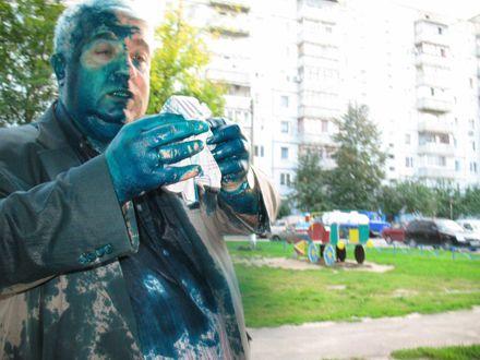 У Харківській області невідомі облили опозиціонера зеленкою (ФОТО)