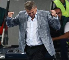 Блохина поздравил Янукович
