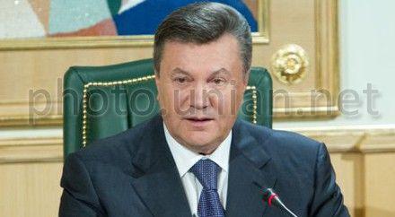 Виктор Янукович передал привет министру, и премьер-министру