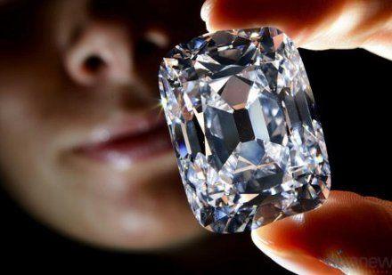 В Женеве продали уникальный бриллиант