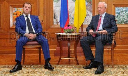 Азаров послушает о вреде евроинтеграции и пользе ТС