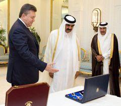 Віктор Янукович та Емір Держави Катар шейх Хамад бін Халіфа Аль Тані під час зустрічі в м.Доха (Катар)