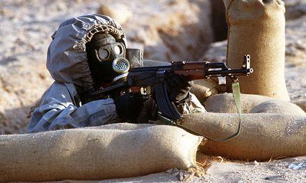 Зарин - крайне опасное оружие: в 1977 году Саддам Хусейн применил его против курдов. Фото http://www.defenseimagery.mil