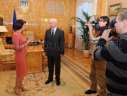 Азаров дал интервью телевизионщикам