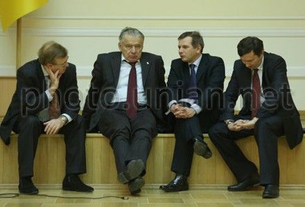 Депутаты ушли наперерыв