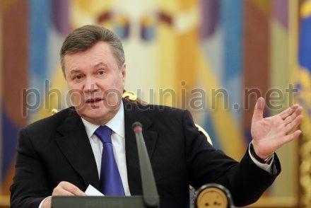 Янукович говорит, что вопрос очень болезненный