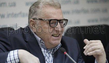 Жириновский говорит, что было бы опасно, если Тимошенко была президентом
