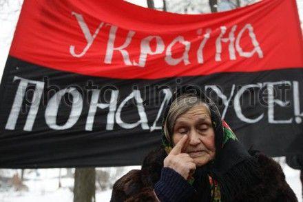 В Киеве сегодня почтили память Героев Крут