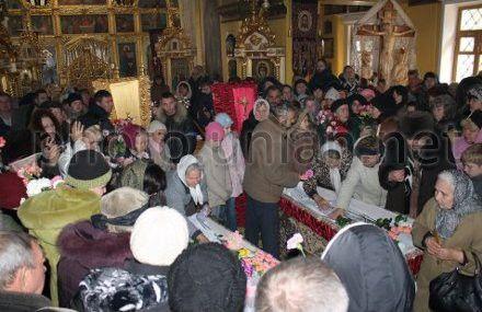 Похороны Насти Балябиной и Тани Мизиной, Севастополь, 4 февраля 2011 года