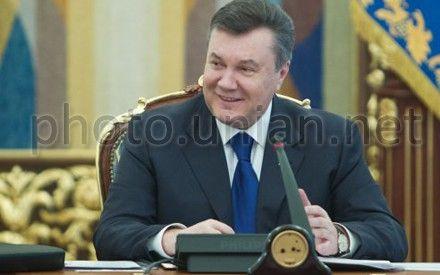 Янукович возглавит украинскую делегацию