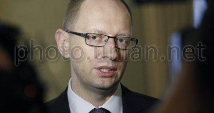Яценюк обьяснил, почему Тимошенко не явилась в суд