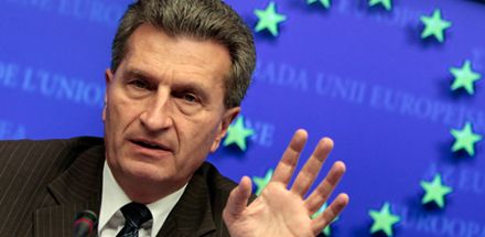 Гюнтер Эттингер ожидает, что Украина будет экспортировать газ собственной добычи / Фото: Сicero.de