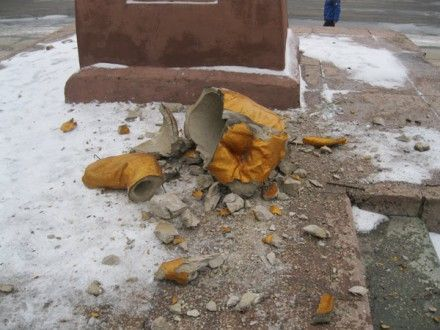 В Ахтырке ставят нового Ленина / Фото: Комментарии