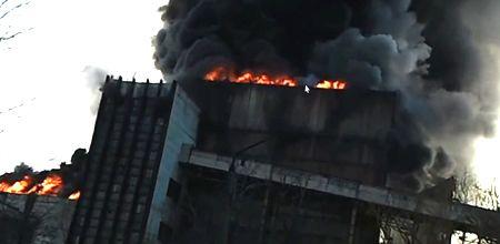 Возле сгоревшей ТЭС усиливают охрану порядка