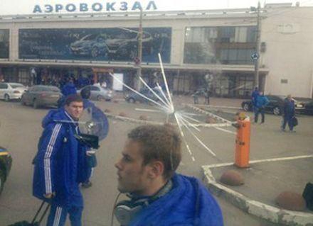 Автобус Динамо забросали камнями в Одессе. Фото с сайта киевского клуба