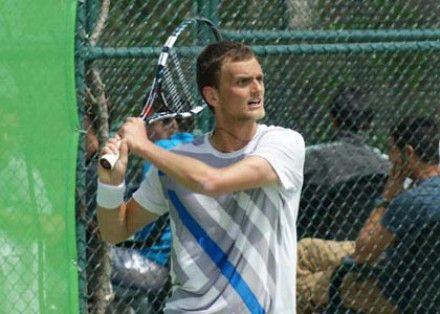 Александр Недовесов всего за 43 минуты легко разобрался с Борисом Пашански из Сербии – 6:2, 6:1./ Фото: gotennis.ru